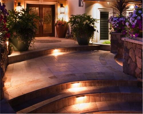 luces para los escalones o escaleras de la entrada de la casa