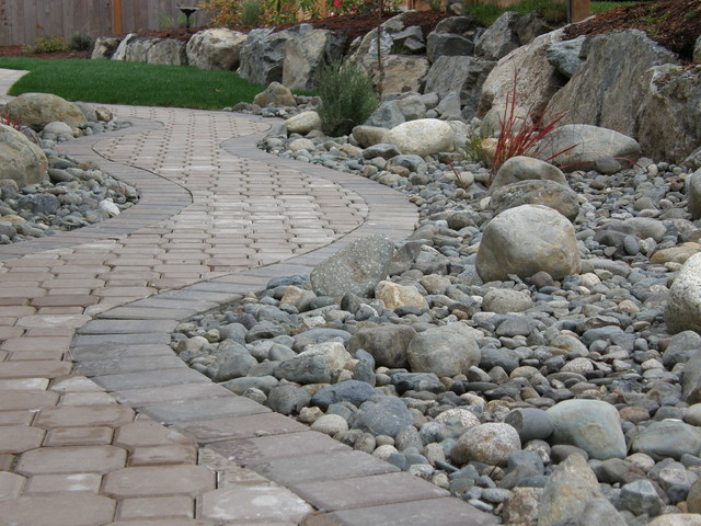 interlock paver walkway contemporary-patio