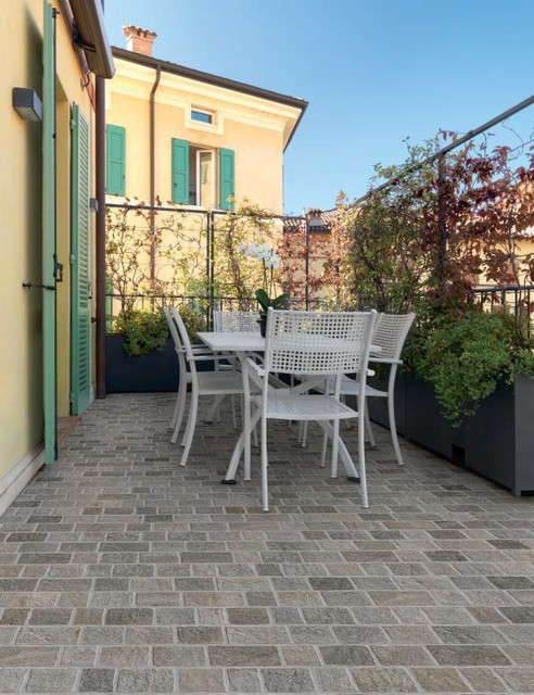 Outdoor Pavers Brisbane : Interlocking cobblestone grey courtyard mediterranean
