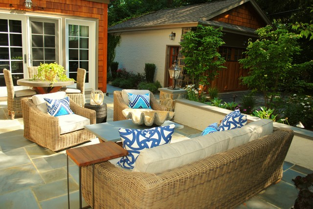 Intimate Garden Setting traditional-patio