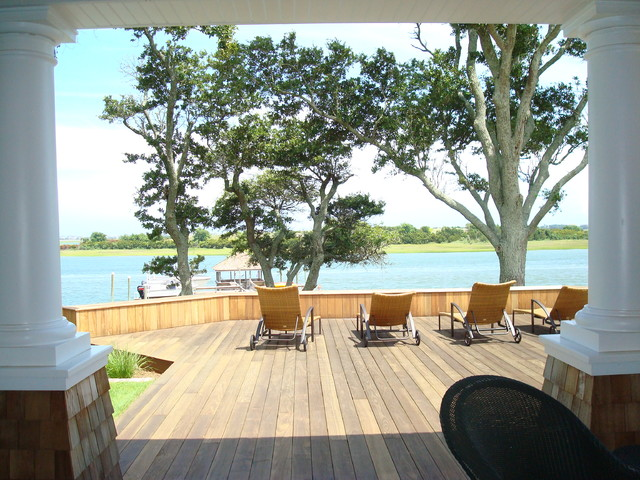 Intracoastal Waterway Getaway traditional-patio