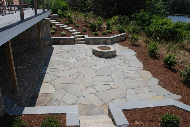 Exceptional Irregular Bluestone Patio Traditional Patio