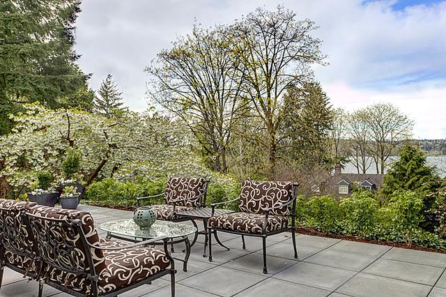 Island Charm traditional-patio