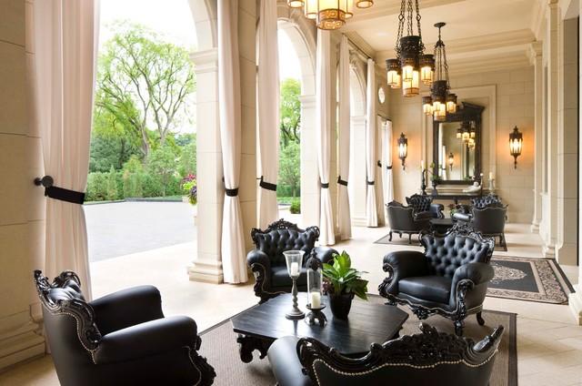 Italiannate Villa patio