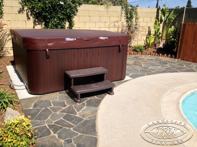 Jacuzzi On Flagstone Patio