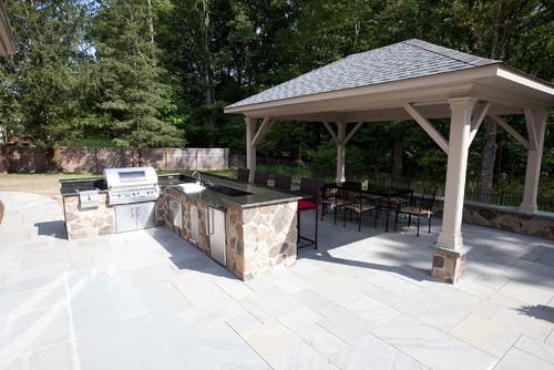 L-shaped outdoor countertops