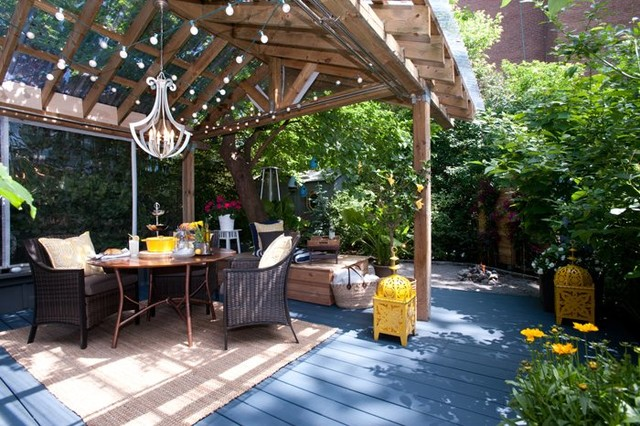 7 Tricks to Stop Birds from Dirtying Your Patio Deck