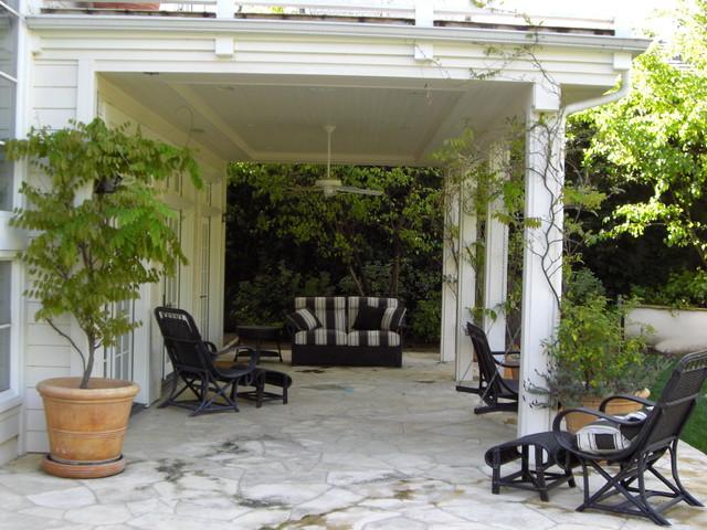 KMLD traditional-patio