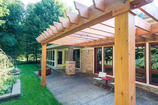Knotty Cedar Pergola traditional-patio
