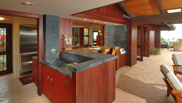 Kona hillside tropical patio hawaii by archipelago for Archipelago hawaii luxury home designs