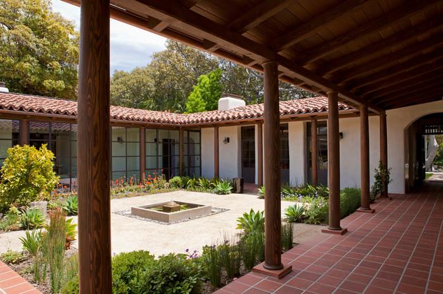 La Mesa Residence traditional-patio