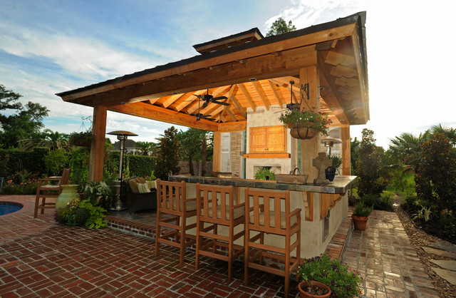 Lafayette la outdoor kitchen traditional patio for Outdoor kitchen roof structures
