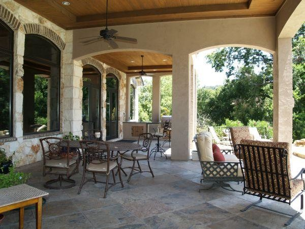 Lake austin retreat traditional patio austin by for Danze e davis architects