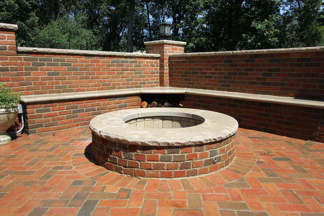 Lake Forest IL Brick patio with a fire pit and brick seat
