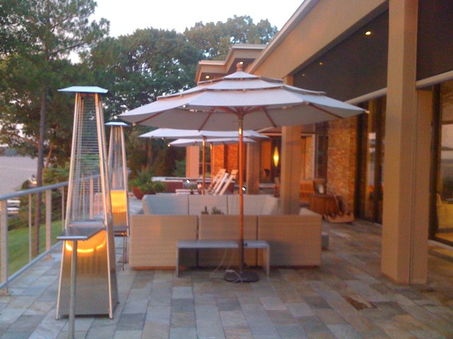 Lakeview Drive contemporary-patio