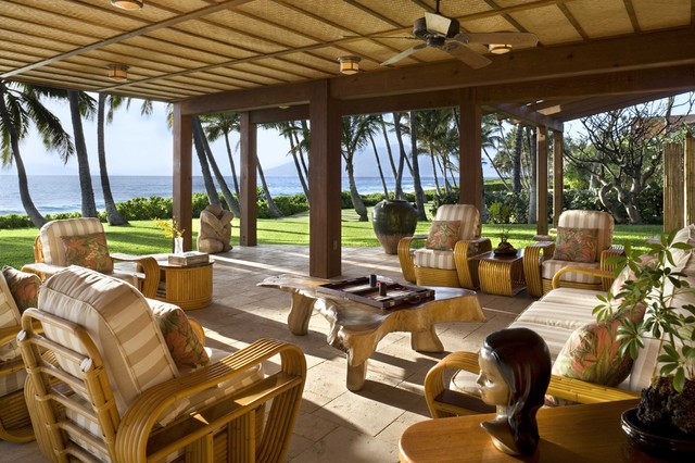Lanai tropical patio hawaii by ike kligerman barkley for Lanai deck