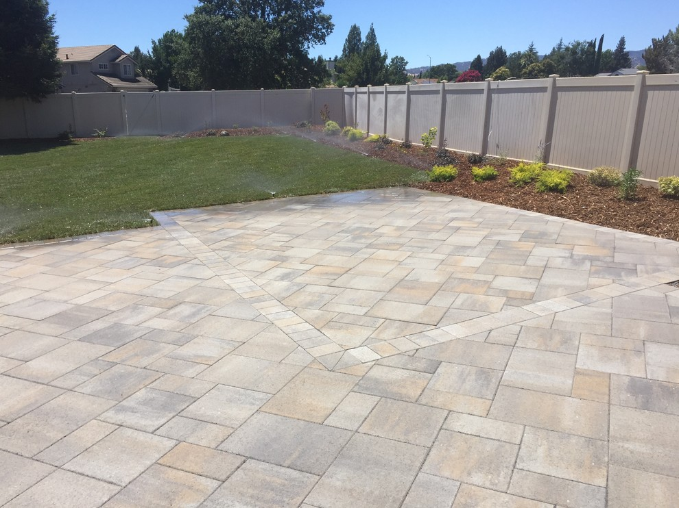 Landscape Paver Works Vacaville Ca Traditional Patio Sacramento By Brickyard Building Materials