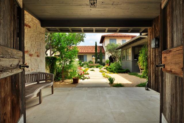 Las Lomas Residence contemporary-patio