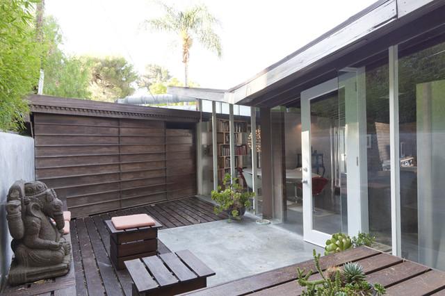 Lautner House midcentury-patio