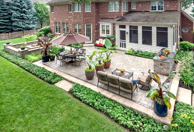 Lemont Landscaping Traditional Patio