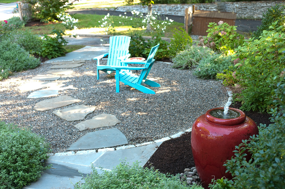 Example of a classic patio fountain design in New York