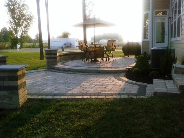 Lewis Center Two Tier Patio And Fire Pit Wall