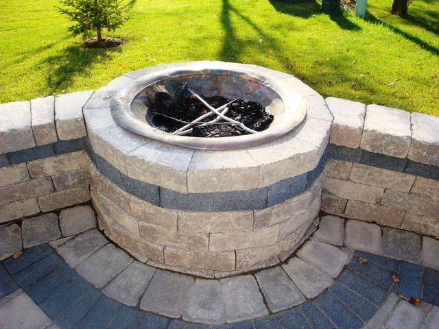 Lewis Center two tier patio and fire pit wall contemporary-patio