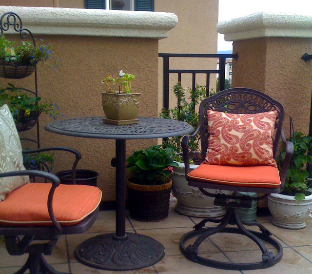Living Beyond the Walls eclectic patio