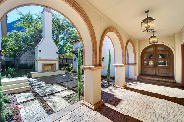 Loggia and side courtyard mediterranean patio dallas for Garden loggia designs