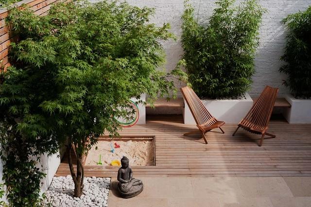 London courtyard garden contemporary patio london for Gartengestaltung chinesisch