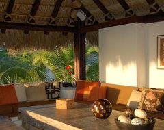 Lori Gilder of Interior Makeovers Inc. tropical-patio