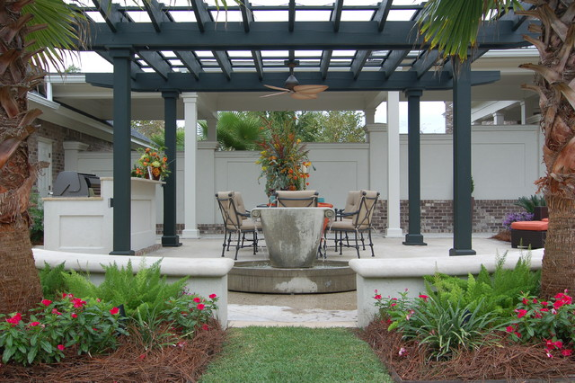 Lorraine Vale Traditional Patio Charleston By