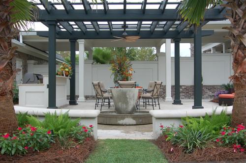 Lorraine Vale traditional patio