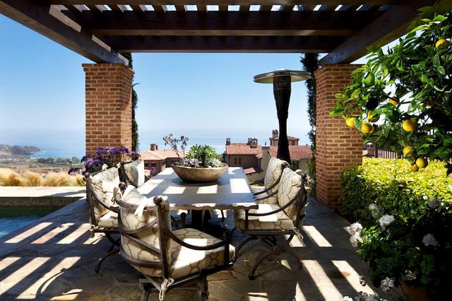 Los Angeles Homes traditional patio