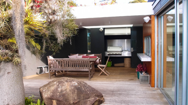 Lower North Shore contemporary-patio