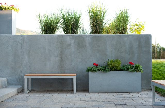 Lower patio and bench seating modern-patio