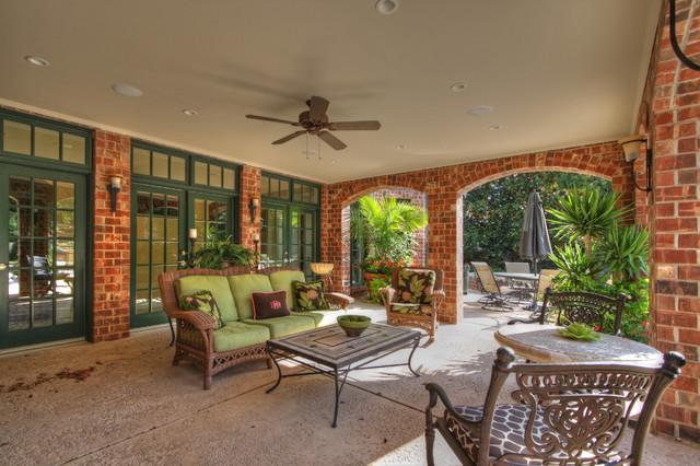 Luxury Deck And Patio Contemporary Patio