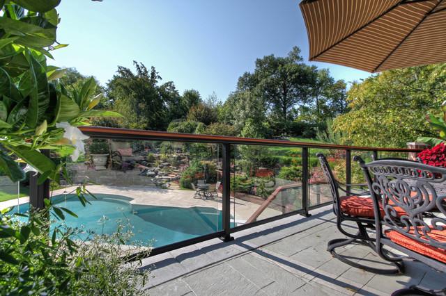 Luxury Deck and Patio contemporary-patio