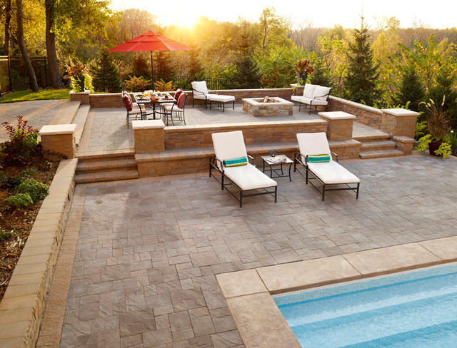 Making A Splash Paver Pool Deck With Retaining Wall