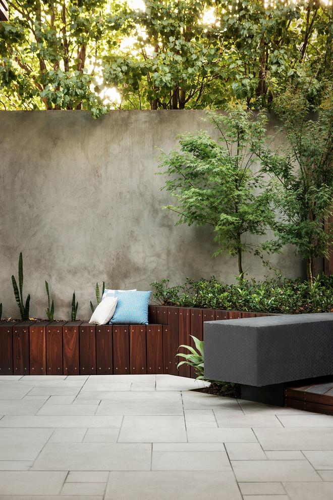 Design ideas for a contemporary courtyard patio in Melbourne.