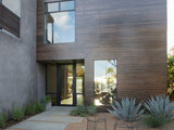 contemporary patio Houzz Tour: A Home in Sync With Its Surroundings (19 photos)