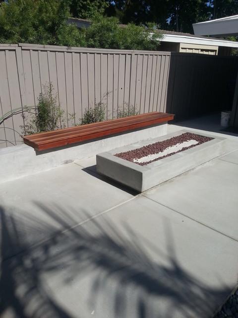 Mark n Kathy LB modern-patio