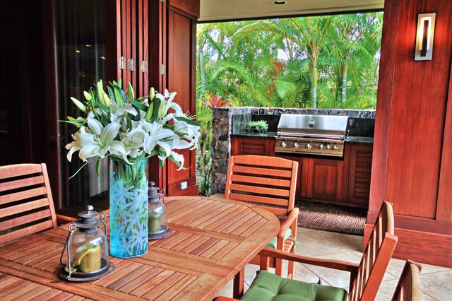 Patio - tropical patio idea in Hawaii