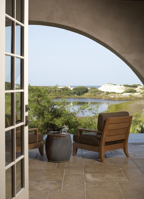 Hadley Residence tropical-patio