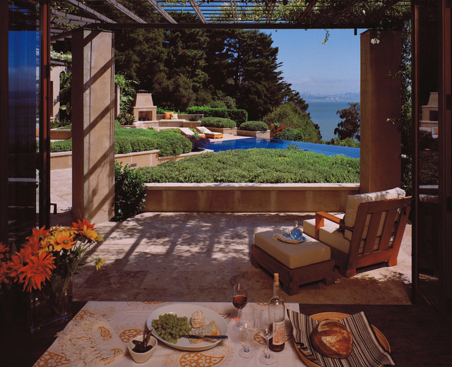 Buttrick Wong Architects mediterranean patio