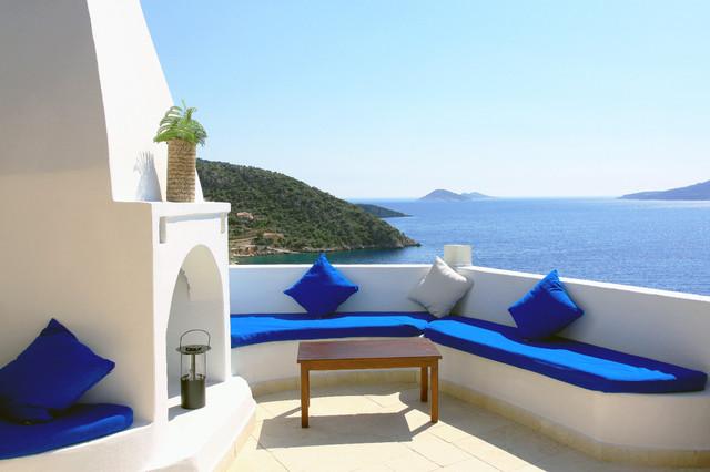 Mediterranean Style Architecture mediterranean-patio