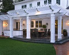 Menlo Park Outdoor Entertainment Area traditional-patio
