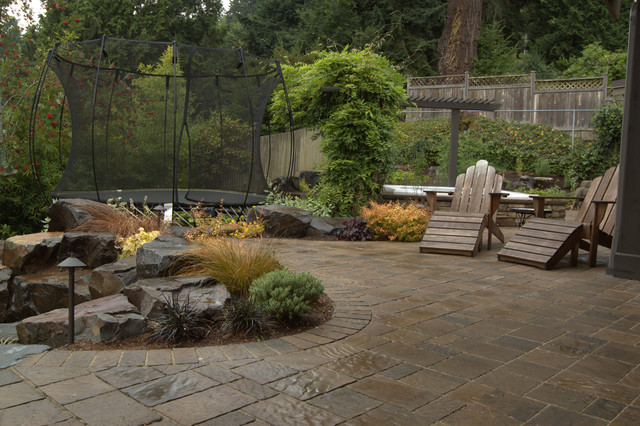 Mercer Island Covered Addition, Spa + Patio traditional-patio