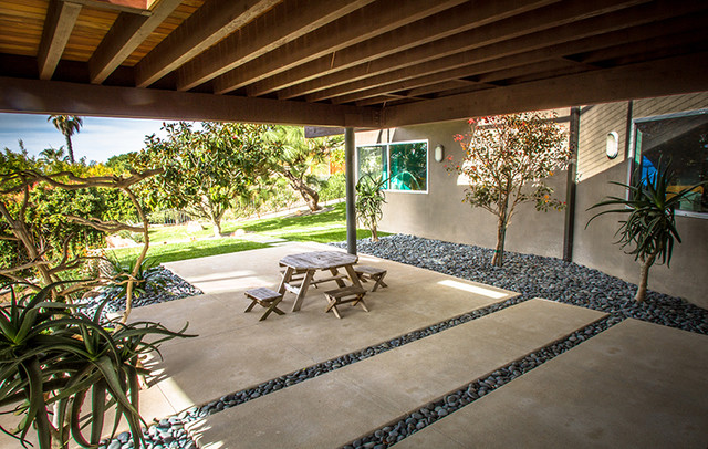 Mexican Beach Pebbles Modern Patio San Diego By