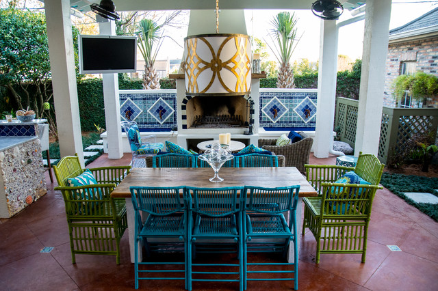 Mexican inspired old metairie residence for Mexican porch designs